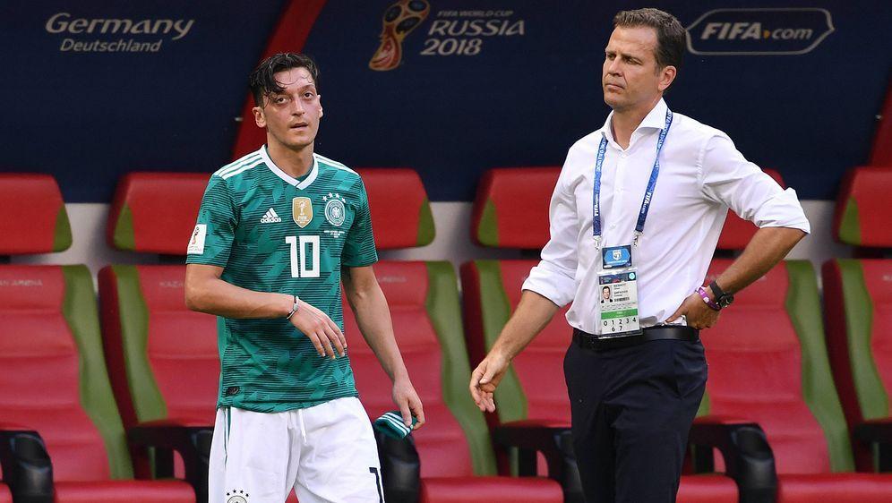 Doppelte Enttäuschung nach der Schmach von Kasan: DFB-Teammanager Oliver Bie... - Bildquelle: imago