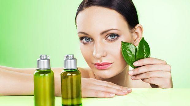 Mit natürlichen statt chemikalischen Pflegeprodukten schadet ihr eurem Körper...