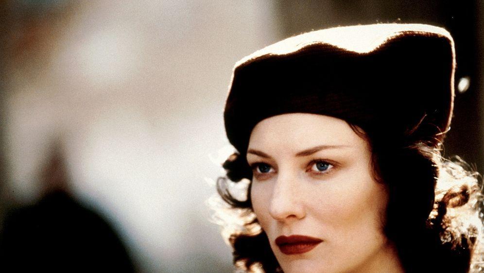 Die Liebe der Charlotte Gray - Bildquelle: Warner Bros.