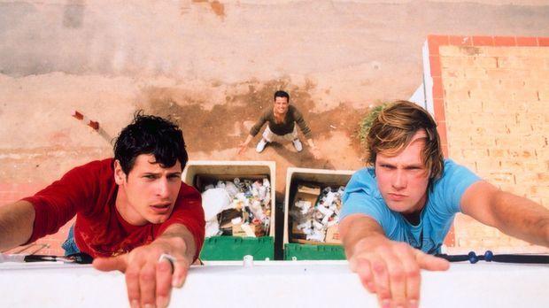 Schon bald müssen Daniel (Matthias Schloo, r.) und Mark (Manuel Cortez, l.) e...