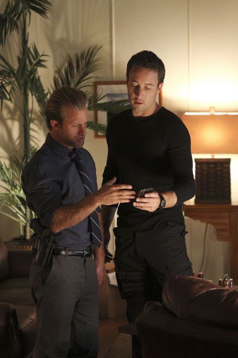 Tappen in eine Falle: Steve (Alex O'Loughlin, r.) und Danny (Scott Caan, l.) ... - Bildquelle: 2011 CBS BROADCASTING INC.  All Rights Reserved.