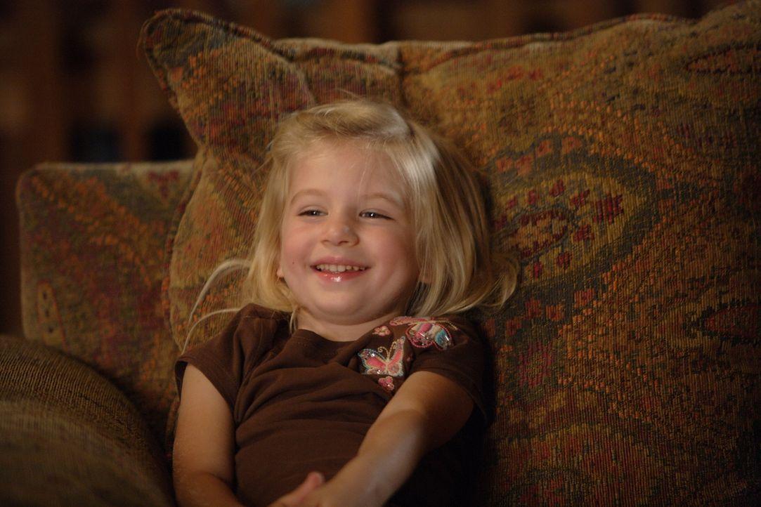 Die kleine Marie (Madison Carabello) ist seit Tagen nicht vom Fernseher wegzubekommen - das hat auch einen bestimmten Grund ... - Bildquelle: Paramount Network Television