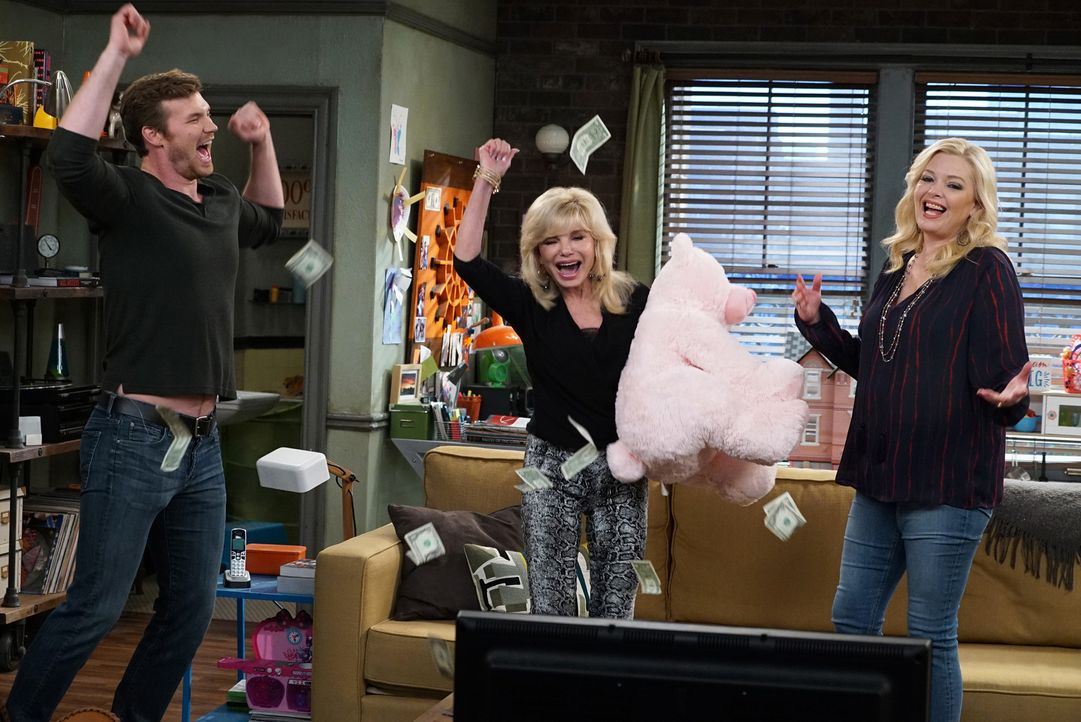 (v.l.n.r.) Danny (Derek Theler); Nana (Loni Anderson); Bonnie (Melissa Peterman) - Bildquelle: Eric McCandless ABC Family
