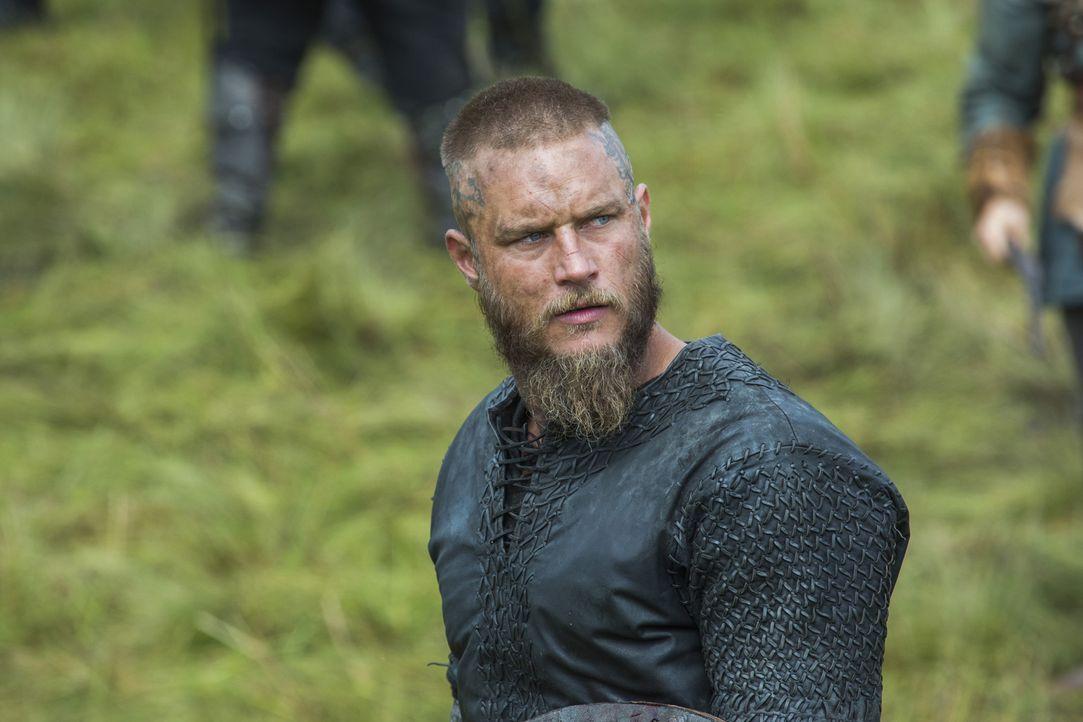 In Mercia ziehen Ragnars (Travis Fimmel) Männer gegen Kwenthriths Bruder Burgred in die Schlacht ... - Bildquelle: 2015 TM PRODUCTIONS LIMITED / T5 VIKINGS III PRODUCTIONS INC. ALL RIGHTS RESERVED.