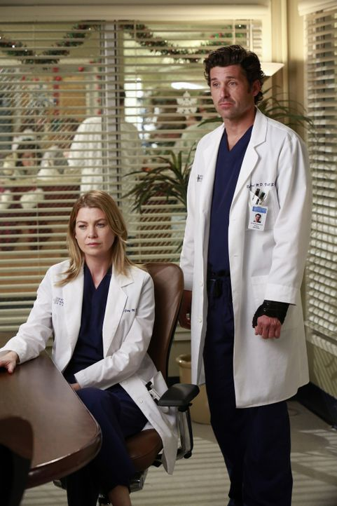 Während Lizzie Meredith (Ellen Pompeo, l.) gehörig die Meinung sagt, versuchen Callie und Jackson versuchen Derek (Patrick Dempsey, r.) zu einer r... - Bildquelle: ABC Studios