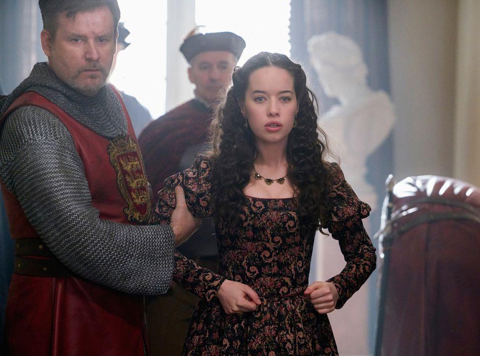 Als Elizabeth erfährt, dass ihre Cousine noch lebt und einen mutigen Schritt im Kampf um den Thron unternimmt, hat das nicht nur Folgen für die engl... - Bildquelle: Steve Wilkie 2016 The CW Network, LLC. All rights reserved.