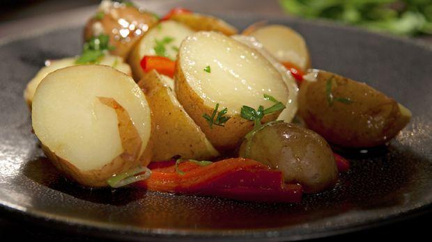 Mit ausgewählten Zutaten zaubert Guy Fieri den Kartoffelsalat der etwas ander...