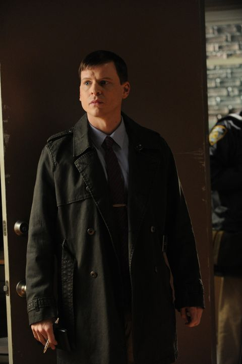 Gemeinsam mit Al und Carrie ermittelt Roe (Kevin Rankin) in einem neuen Mordfall ... - Bildquelle: 2011 CBS Broadcasting Inc. All Rights Reserved.