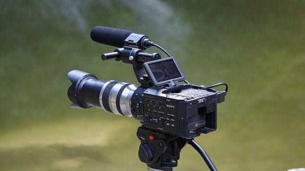 Der Franzose Louis Le Prince erfand die erste Filmkamera mit nur einem Objektiv.