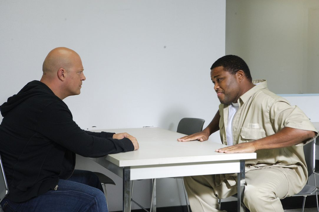 Führen heftige Diskussionen: Macky (Michael Chiklis, l.) und Antwon Mitchell (Anthony Anderson, r.) ... - Bildquelle: 2007 Twentieth Century Fox Film Corporation. All Rights Reserved.
