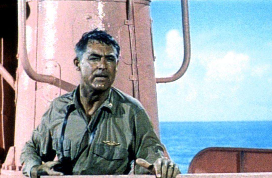 Dass er einmal Kapitän eines rosaroten U-Bootes sein würde, hätte sich Matt Sherman (Cary Grant) nicht einmal im Traum vorstellen können ... - Bildquelle: Universal International Pictures