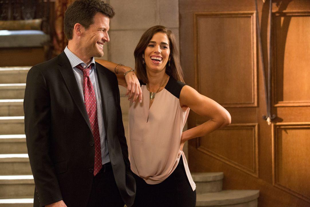 Als Nick (Mark Deklin, r.) Marisol (Ana Ortiz, l.) versichert, dass er sich um Opal kümmern wird, ahnt Marisol noch nicht, was das wirklich bedeutet... - Bildquelle: 2014 ABC Studios