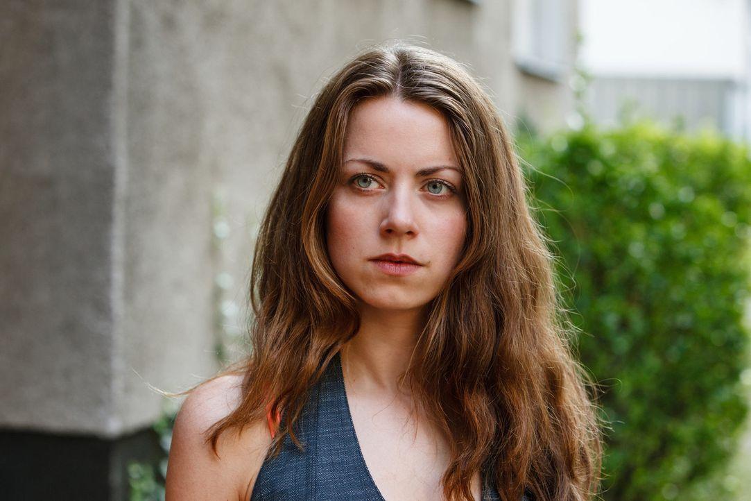 Vivian (Alice Dwyer) ist süchtig danach, begehrt zu werden. Die Suche nach wahrer Liebe hat die Kindergärtnerin längst aufgegeben, ihr geht es um... - Bildquelle: Stefan Erhard SAT.1