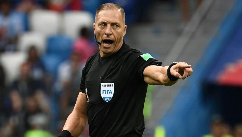 Argentinischer Schiedsrichter Pitana leitet WM-Finale - Bildquelle: AFPSIDFRANCK FIFE