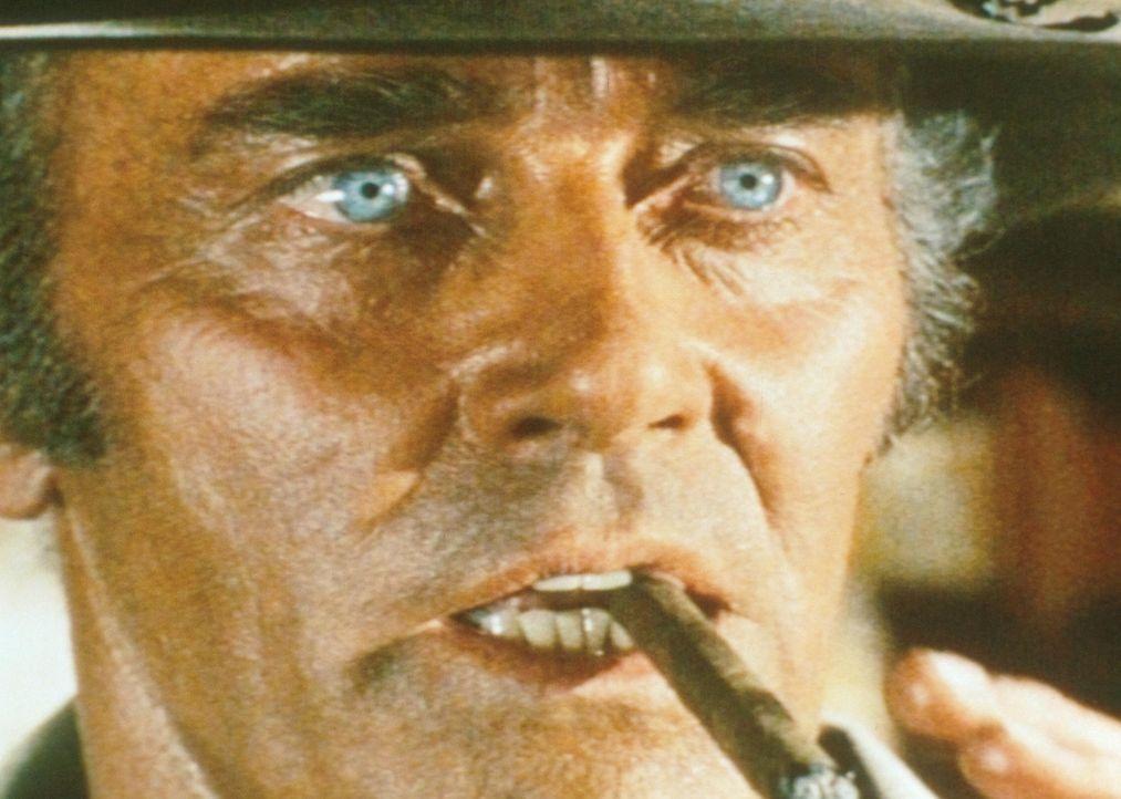 Der eiskalte Killer Frank (Henry Fonda) hat den Farmer McBain und seine drei Kinder auf dem Gewissen ... - Bildquelle: Paramount Pictures