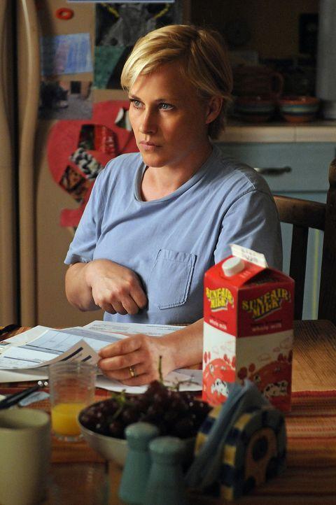 Allison (Patricia Arquette) ist aus dem Koma erwacht. Als Folge des Schlaganfalls ist ihre rechte Körperhälfte teilweise gelähmt. Und sie träumt nic... - Bildquelle: Paramount Network Television