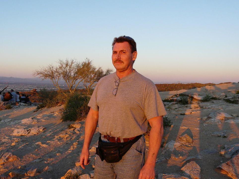 Der gelernte Elektriker Frank Johl (54) aus Berlin-Neukölln hat schon mehrfach versucht in die USA auszuwandern. Jetzt, nach 15 Jahren hoffen und ba... - Bildquelle: kabel eins