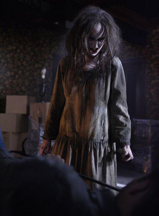 Der Geist einer jungen Frau (Mandy Playdon) treibt in einem verlassenen Farmhaus sein Unwesen ... - Bildquelle: Warner Brothers