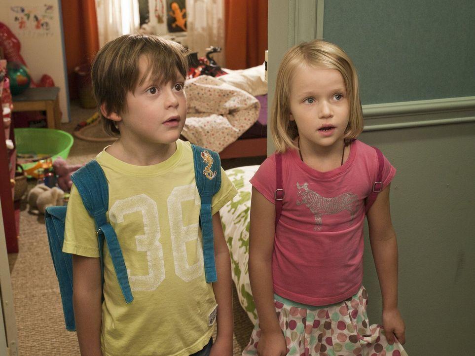 War er wirklich Drachen jagen? Claire (Fanny Scherer, r.) und Julien (Alexander Boden, l.) sind sich nicht sicher, was sie Paolo glauben sollen ... - Bildquelle: Warner Bros.