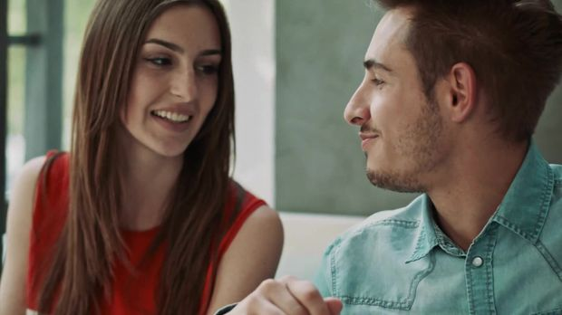 diese zwei dinge machen m nner beim ersten date wirklich an. Black Bedroom Furniture Sets. Home Design Ideas