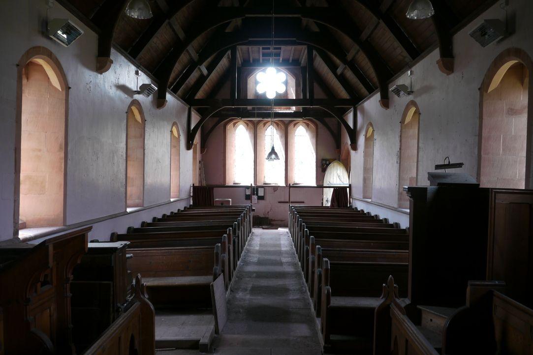 Phil und Joanne Evans kaufen eine alte Kirche in Gamblesby, um daraus ihr Traumhaus entstehen zu lassen. Schon bald zeigt sich, dass das schmale Bud... - Bildquelle: Tiger Aspect Productions Ltd MMXIV  Tiger Aspect Productions Ltd MMXIV