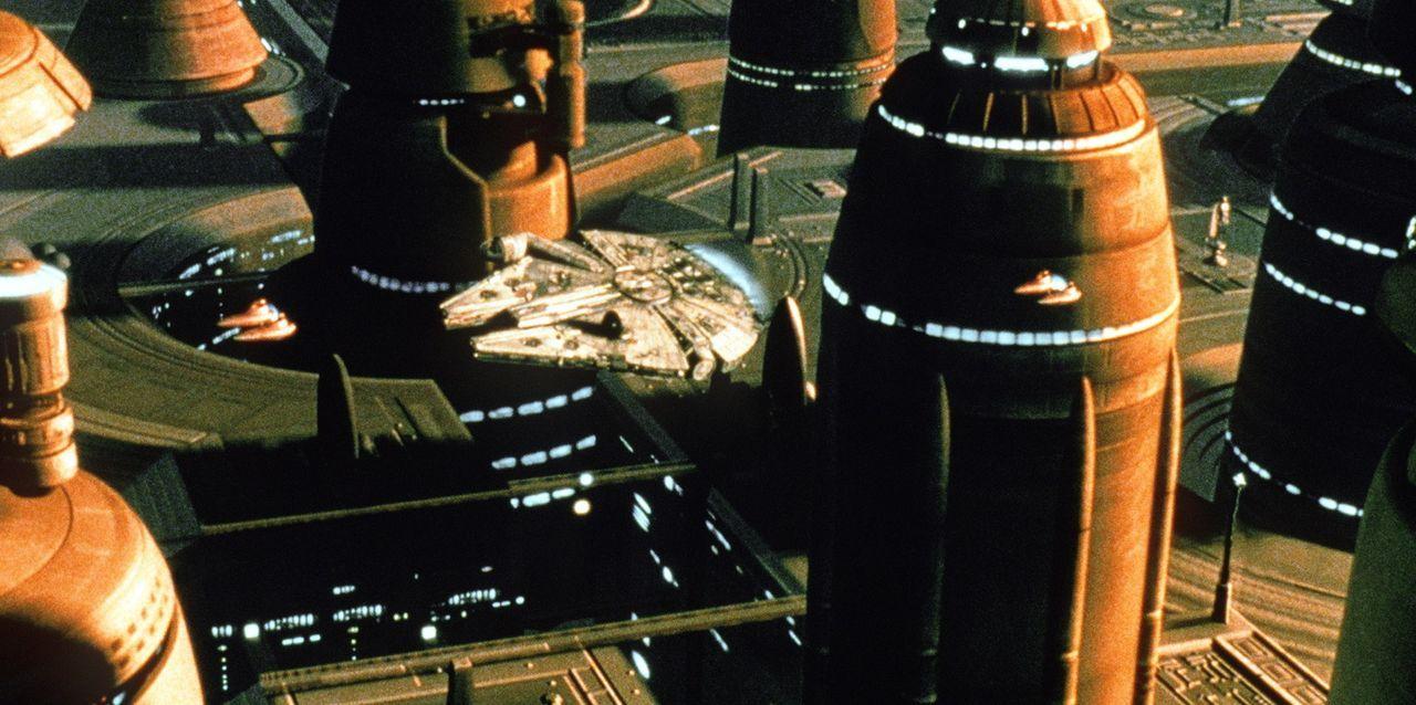 "Han Solos ""Rasender Falke"" landet in der Wolkenstadt ... - Bildquelle: Lucasfilm LTD. & TM. All Rights Reserved."