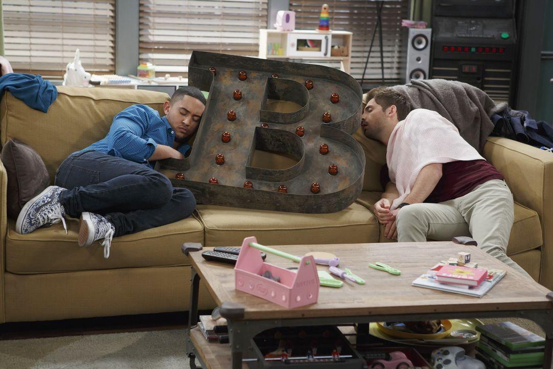 """Ben und Riley spielen """"Kurzer mit Abschleppen""""; dabei gewinnt, wer... - Bildquelle: Bruce Birmelin ABC Family"""