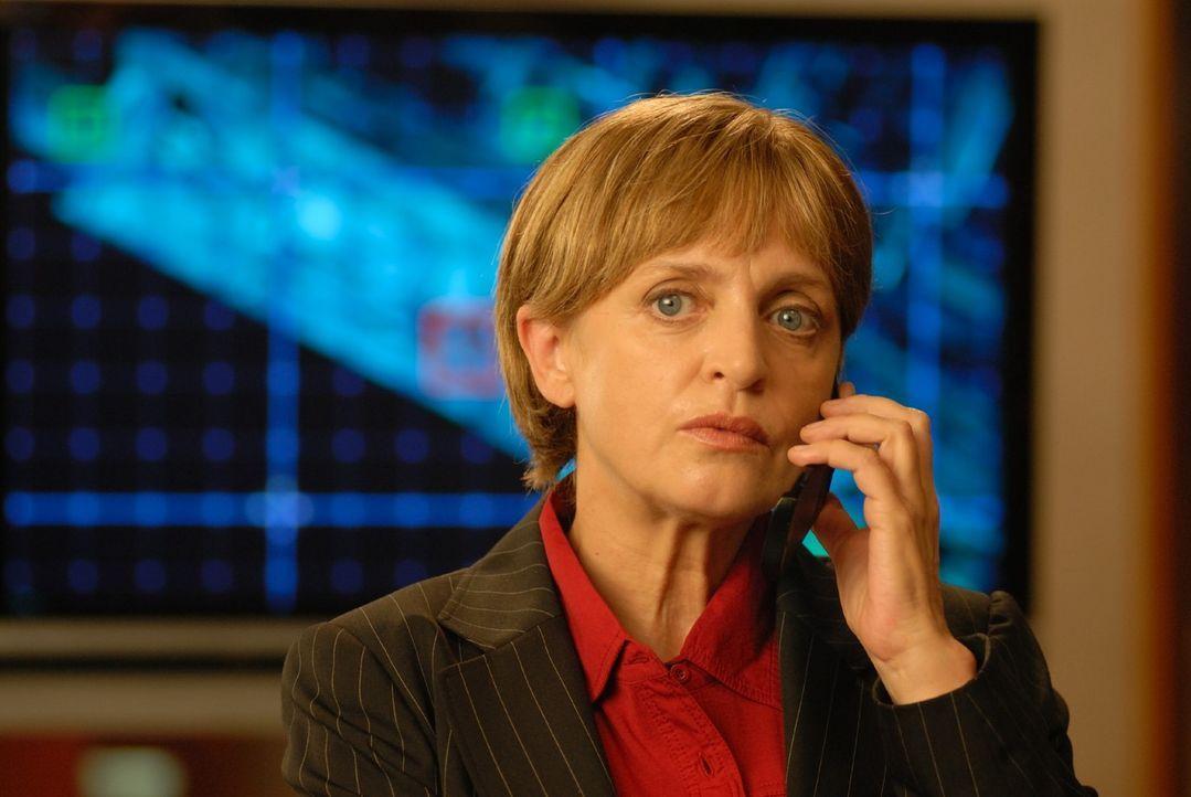 Kriminaldirektorin Franziska Friedmann (Katharina Thalbach) - Bildquelle: Hardy Spitz Sat.1