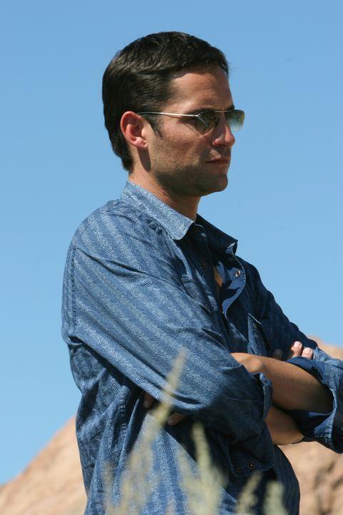 Steht vor einem Rätsel: Danny (Enrique Murciano) ... - Bildquelle: Warner Bros. Entertainment Inc.