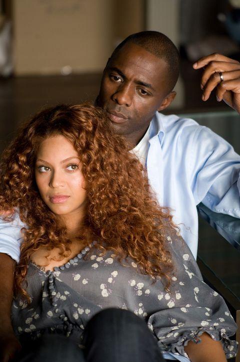 Führen eine glückliche Beziehung: Sharon (Beyoncé Knowles, l.) und Derek (Idris Elba, r.). Als die junge Mutter ihr Glück bedroht fühlt, fährt... - Bildquelle: 2009 Screen Gems, Inc. All Rights Reserved.