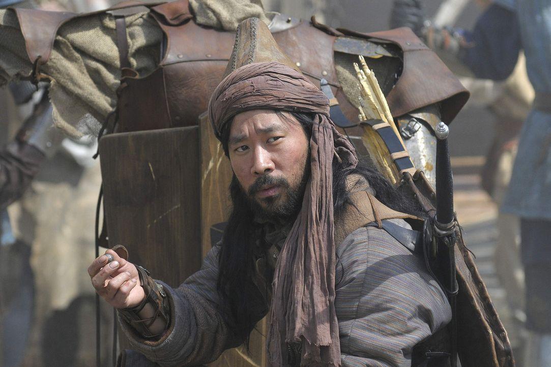 """Der Mongole Marat (Ill-Young Kim) bringt dem Deutschen, genannt """"Nemec"""", seine einmalige Kampfkunst näher. Schon bald ist Michel der mit Abstand bes... - Bildquelle: SAT. 1"""