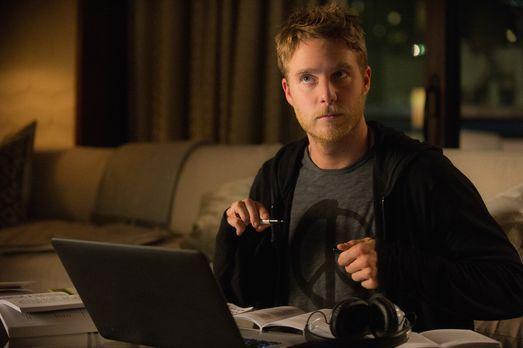 Limitless - Als Naz verhaftet wird, möchte Brian (Jake McDorman) herausfinden...