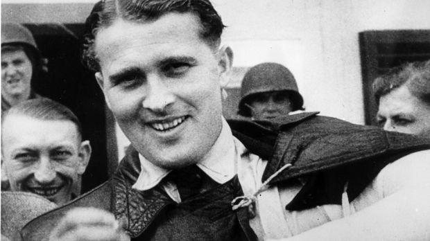 Wernher von Braun entwickelte für die Nazis neuartige Raketen und ergab sich...