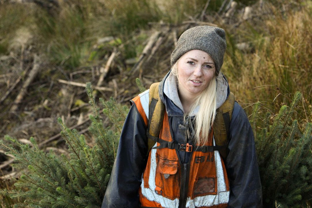 Kim aus Herne möchte endlich selbständig und unabhängig sein und versucht sich deshalb im Schottland beim Bäume pflanzen ... - Bildquelle: kabel eins