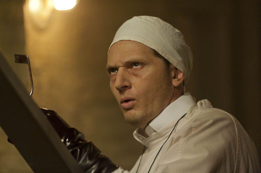 Der Geist von Charles Montgomery (Matt Ross) treibt nach wie vor im Haus der Harmons sein Unwesen ... - Bildquelle: 2011 Twentieth Century Fox Film Corporation. All rights reserved.