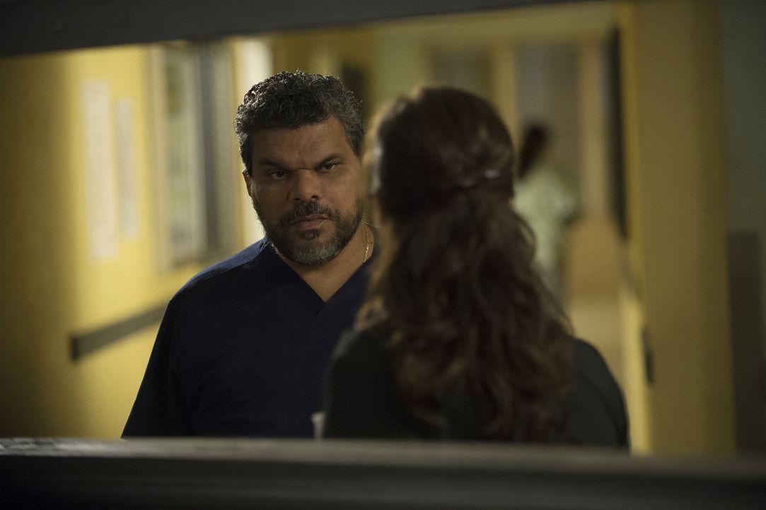 Jesse (Luis Guzman) gerät in einen Konflikt mit Leanne, als diese eine, seiner Meinung nach falsche, Entscheidung zu treffen droht ... - Bildquelle: Neil Jacobs 2015 American Broadcasting Companies, Inc. All rights reserved.