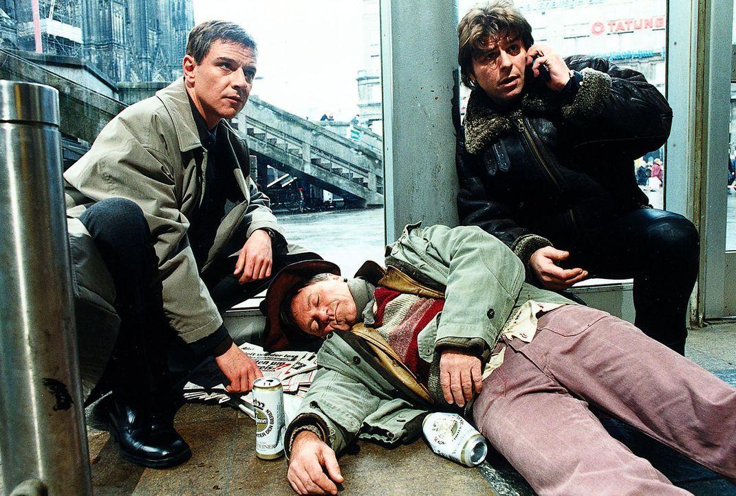 Der junge Journalist Oliver Klein fiel in einer U-Bahn-Station auf die Gleise und wurde von einem Zug überrollt. Bei den Ermittlungen stoßen Jupp (U... - Bildquelle: Diane Krüger Sat.1