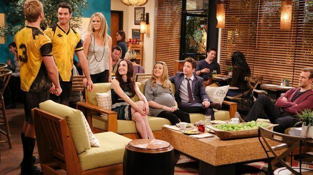 Während Kate (Zoe Lister Jones, M.) sich als perfekte Partnerin für Doug (Ben...