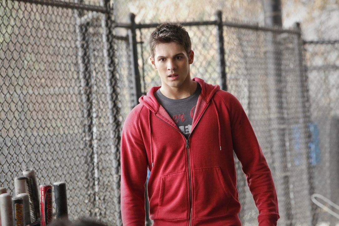 Während Elena und Damon aufbrechen, um sicherzugehen, dass Jeremy (Steven R. McQueen) in Denver keine Gefahr droht, gehen Stefan und Klaus extrem b... - Bildquelle: Warner Brothers