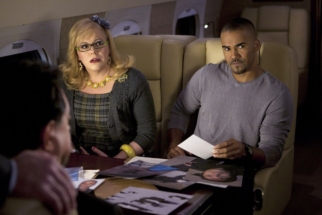 Machen sich Sorgen um Prentiss: Garcia (Kirsten Vangsness, l.) und Morgan (Shemar Moore, r.) ... - Bildquelle: ABC Studios