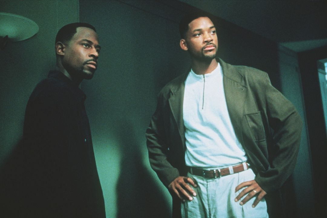 Nur 72 Stunden: Die Bad Boys Burnett (Martin Lawrence, l.) und Lowrey (Will Smith, r.) des Miami Police Departments müssen sich mit einer überaus... - Bildquelle: 1995 Columbia Pictures Industries, Inc. All Rights Reserved.