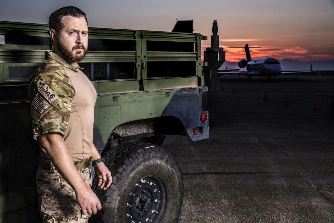 (1. Staffel) - In ständiger Bereitschaft muss Navy SEAL Sonny Quinn (A.J. Buckley) mit der Ungewissheit leben, wie gefährlich und lange die geheimen... - Bildquelle: Cliff Lipson Cliff Lipson/CBS  2017 CBS Broadcasting, Inc. All Rights Reserved