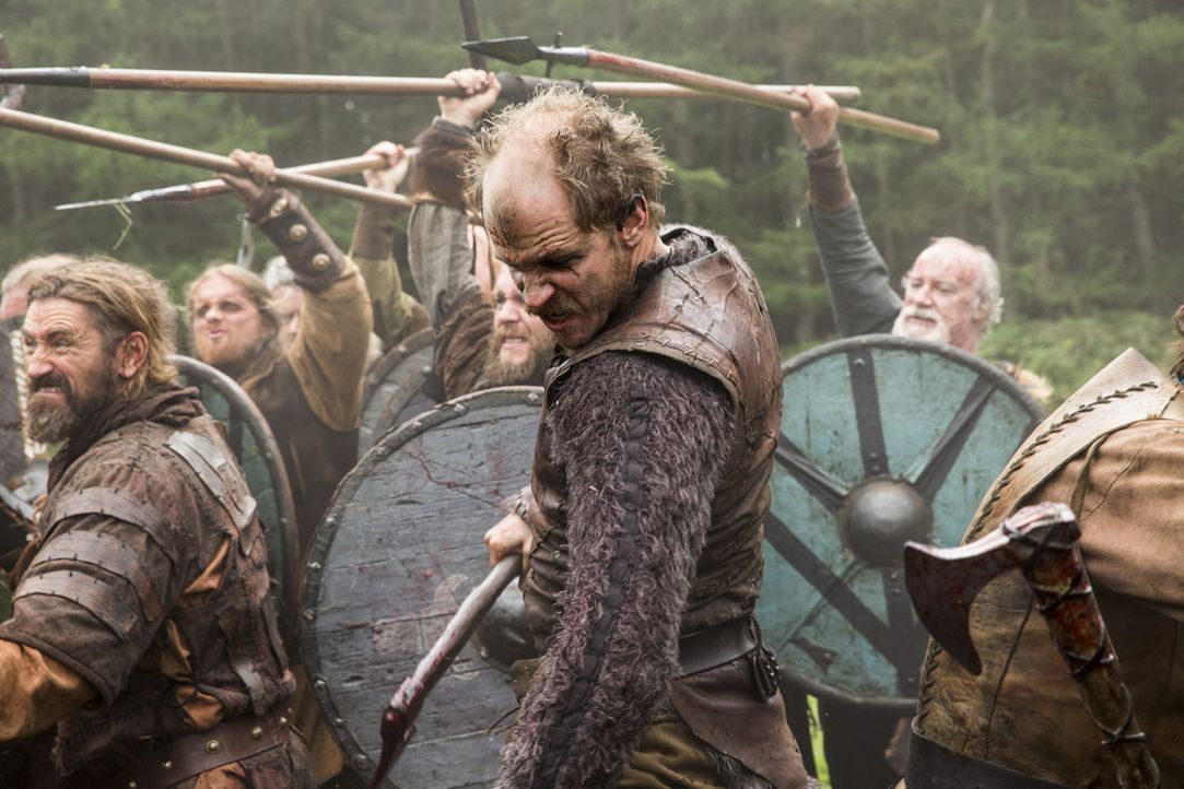 Im Kampf gegen Jarl Borg: Floki (Gustaf Skarsgård) ... - Bildquelle: 2014 TM TELEVISION PRODUCTIONS LIMITED/T5 VIKINGS PRODUCTIONS INC. ALL RIGHTS RESERVED.