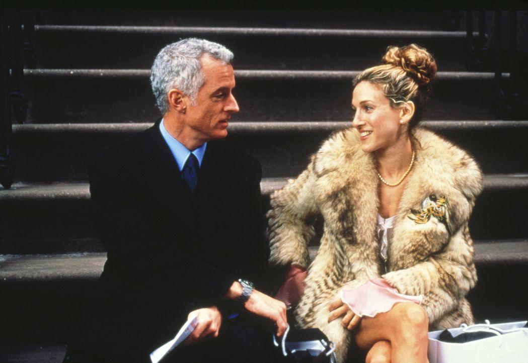 Der Lokalpolitiker Bill Kelley (John Slattery, l.) verfügt über einen hartnäckigen Charme, dem Carrie (Sarah Jessica Parker, r.) nicht widerstehen k... - Bildquelle: Paramount Pictures