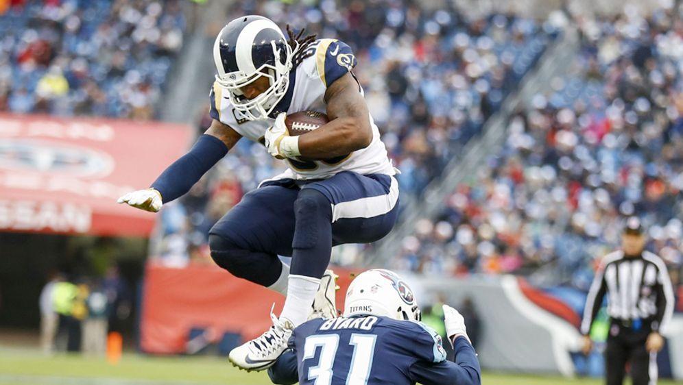 Draften die Rams einen Offensive Lineman, der Todd Gurley (Bild oben) besser... - Bildquelle: Getty