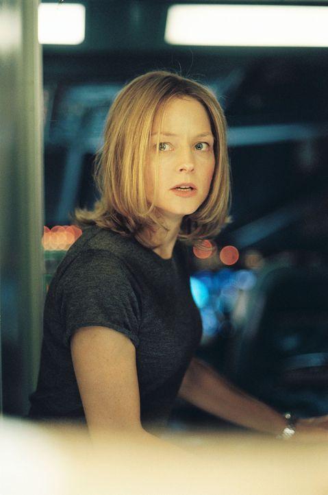 Weil ihr niemand Glauben schenkt, macht sich Kyle (Jodie Foster) selbst auf die Suche nach ihrer Tochter ... - Bildquelle: Touchstone Pictures.  All rights reserved
