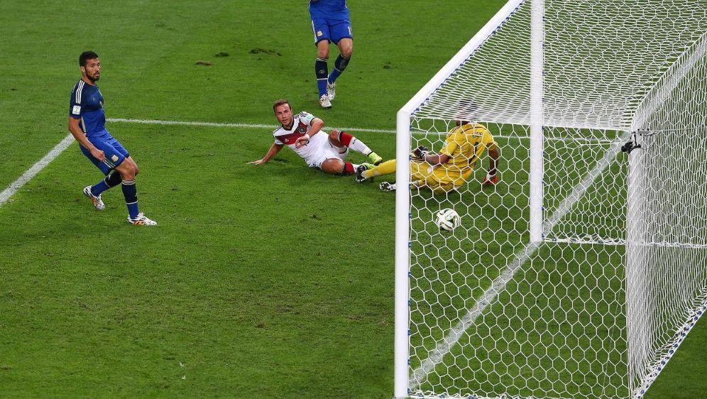 Götze erzielt das entscheidende Tor zum WM-Titel 2014 - Bildquelle: FIRO SPORTPHOTOFIRO SPORTPHOTOSID