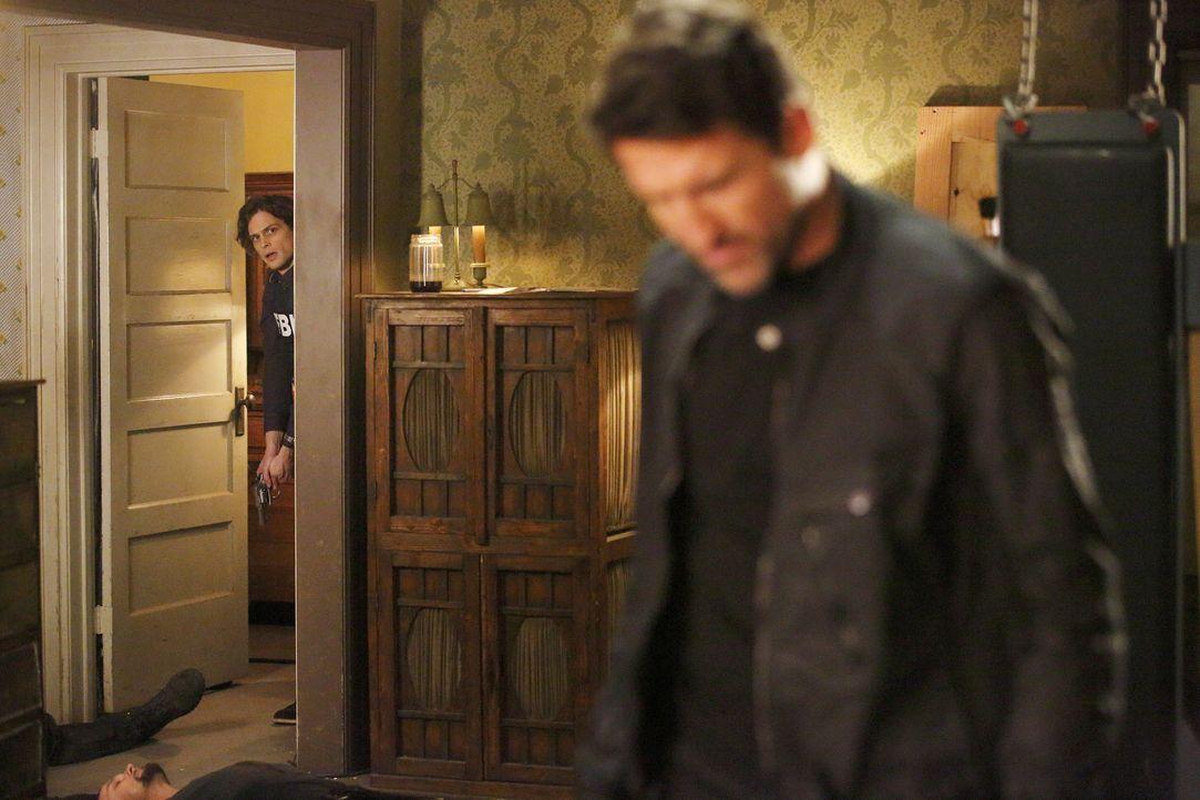 Reid (Matthew Gray Gubler, l.) und das restliche Team versuchen alles, um Morgan zu retten. Doch ist es bereits zu spät? - Bildquelle: Trae Patton ABC Studios