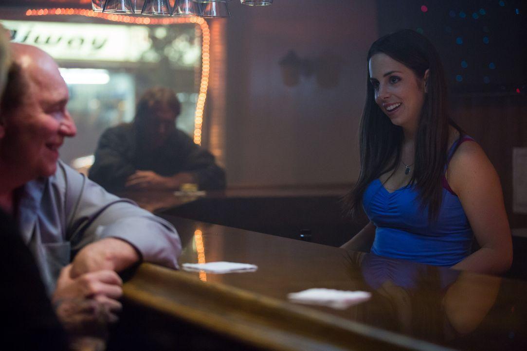 Als Amy den einsamen Jimmy in einer Bar kennenlernt und er ihr einen Putzjob bei sich anbietet, ist sie zuerst sehr froh über das Angebot ... - Bildquelle: Darren Goldstein Cineflix 2014