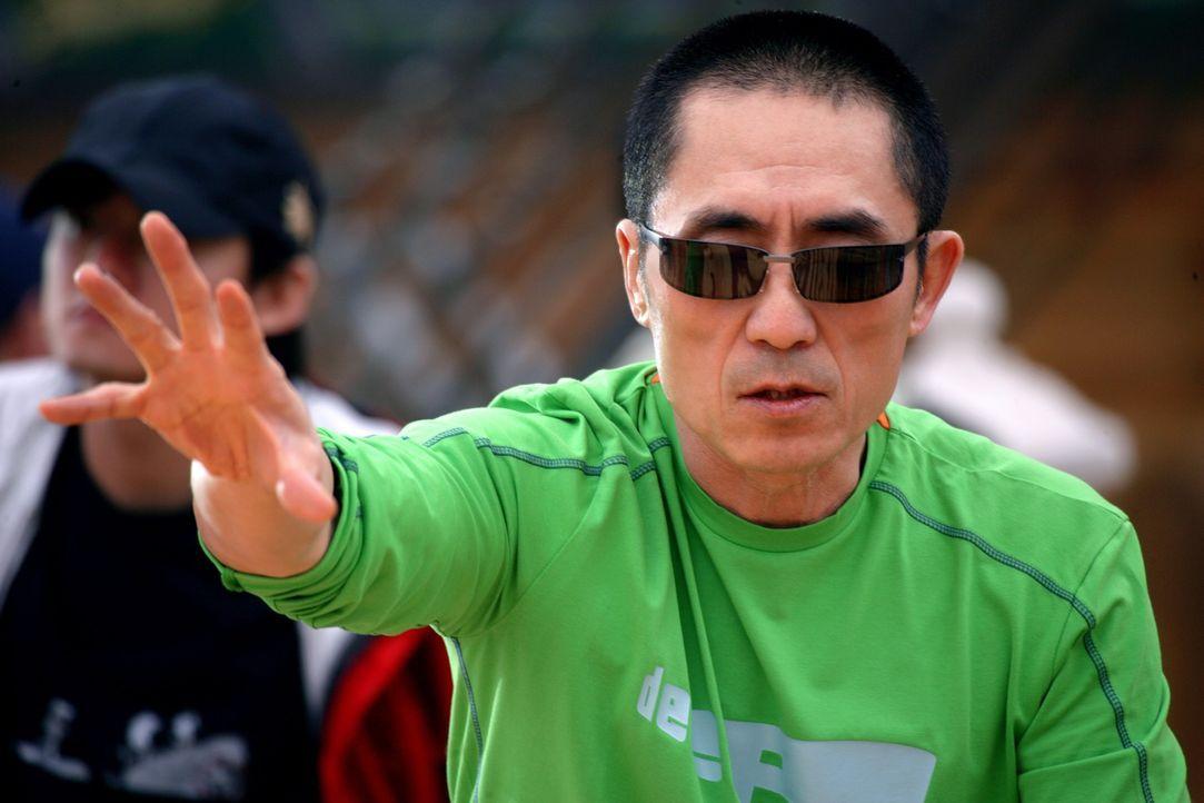 Regisseur Yimou Zhang erteilt letzte Regieanweisungen. - Bildquelle: TOBIS Film